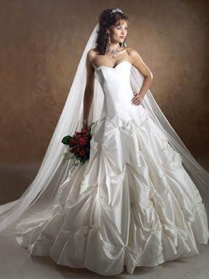http://3.bp.blogspot.com/-Tq8y-0xJn5s/TvYRWUlQd8I/AAAAAAAAAAc/JlpeIo7XgUY/s400/Beautiful-Wedding-Dress-Designs-2.jpg