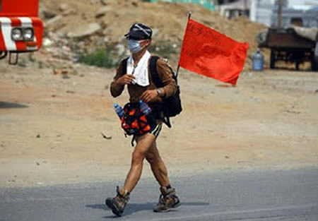 Guy Walks 1,000 Miles in the Name of Love