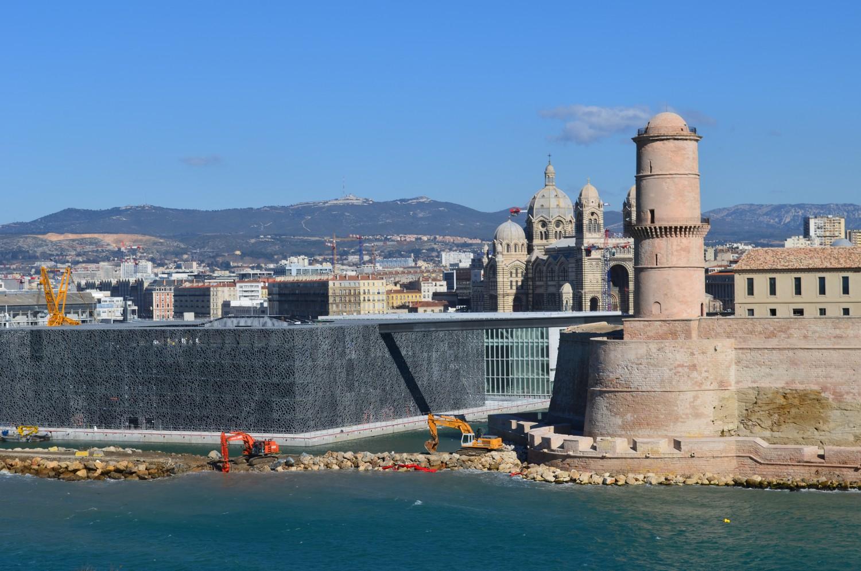 Unique provence luxury and authentic travel blog - Parking vieux port fort saint jean marseille ...