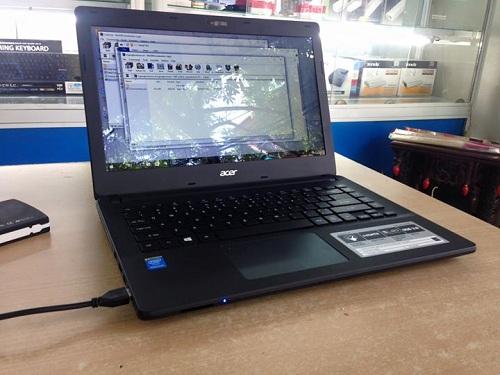 Acer%2BES1-411-P43Q%2B3.jpg