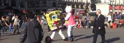 Bob Esponja Hello Kitty pelea