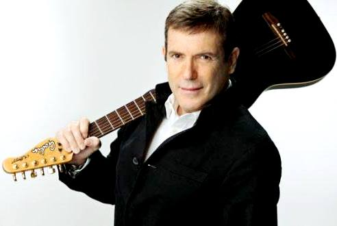 Cantante Carlos Mata