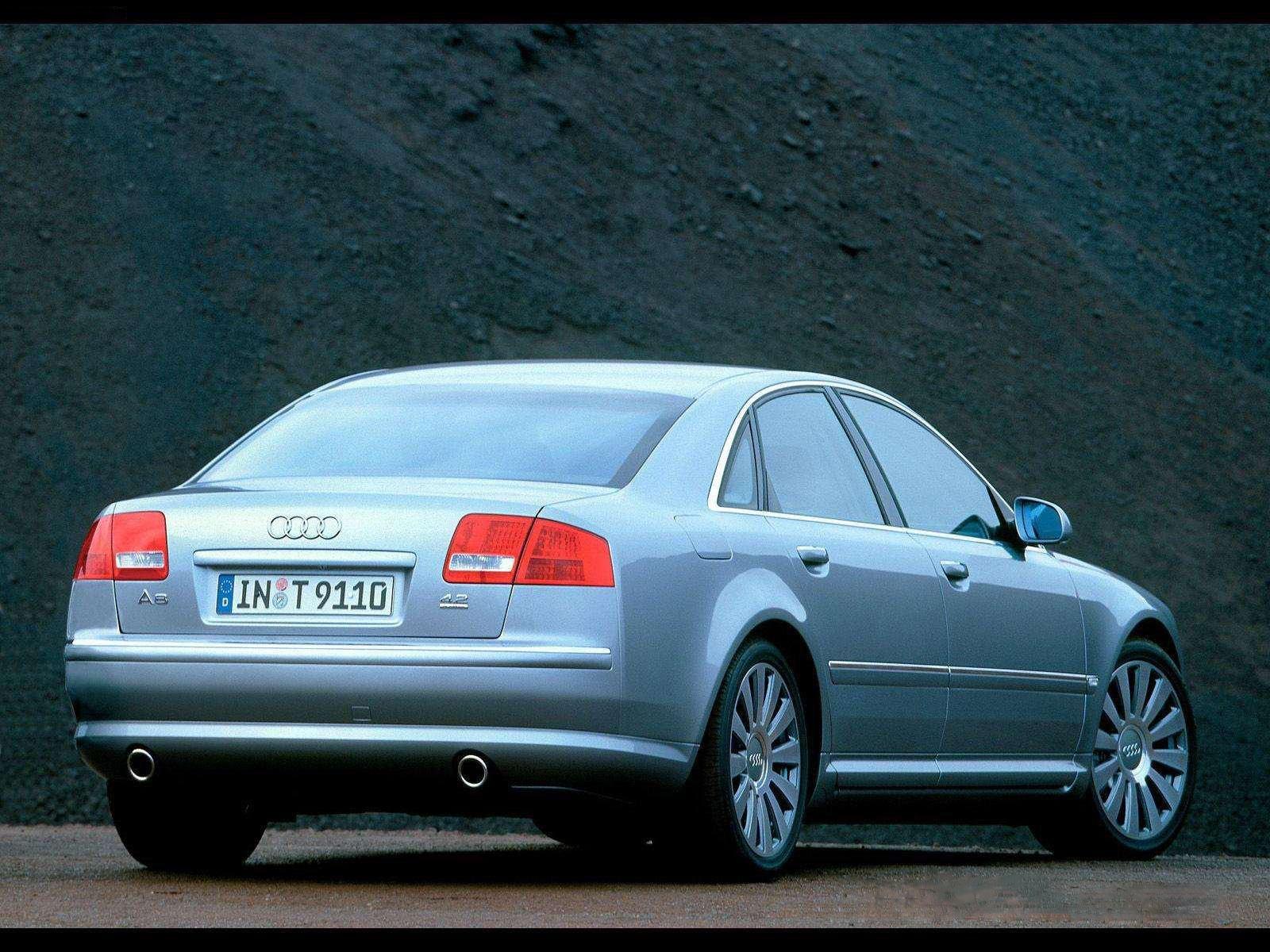 Audi a8 l 6 0 w12 quattro 2004 picture 3 of 5 rear angle image - 2004 Audi A8 4 2 Quattro Rear View