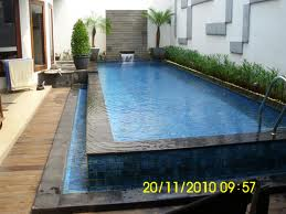 taman belakang rumah kolam air mancur