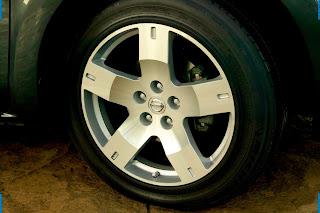 Nissan quest car 2013 tyres/wheels - صور اطارات سيارة نيسان  كويست 2013