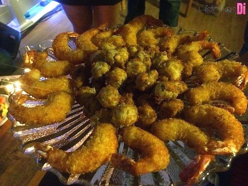 Camarão empanado e bolinho de bacalhau
