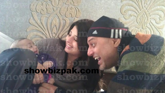Ali Azmat with wife Fariha and daughter Ella