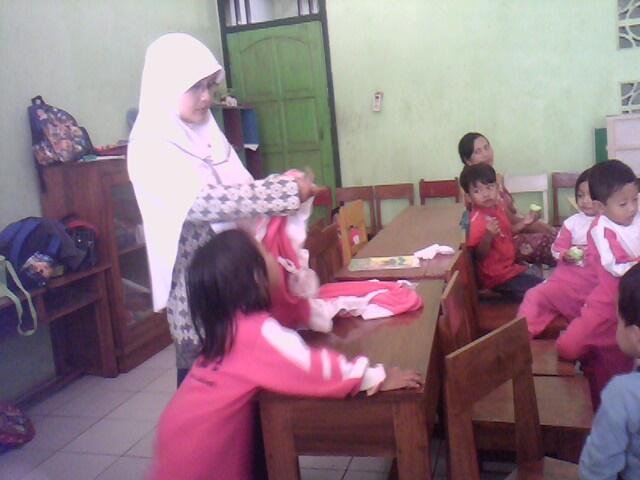 Indahnya Poto Belajar Bersama Anak Ceria Di Sekolah Info Dikdas