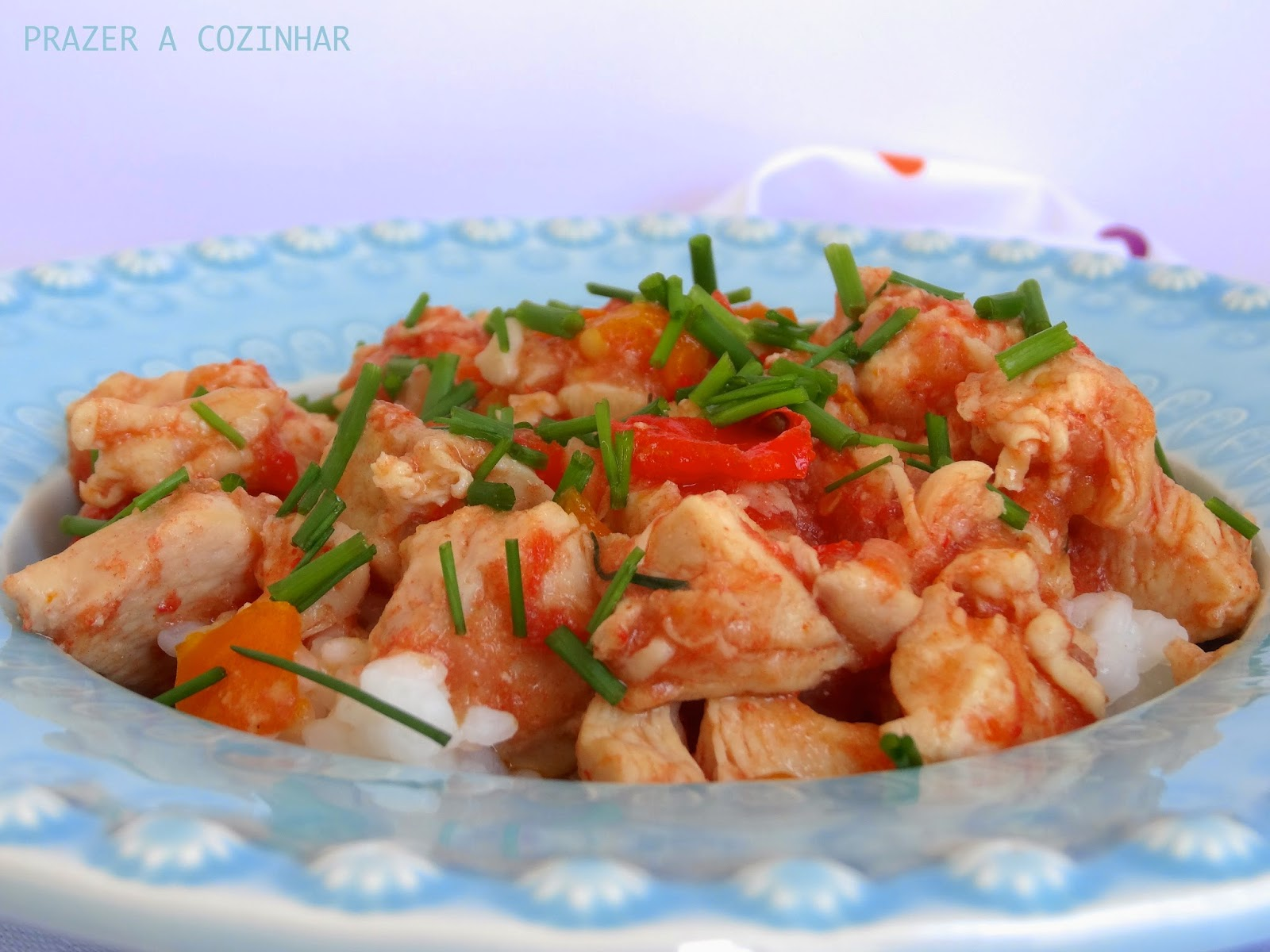 Peitinhos de frango com pimento e cebolinho