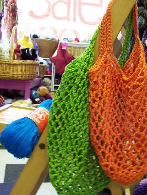 Free Crochet Patterns For Grocery Bags : day by day: Crochet Grocery Bag Pattern