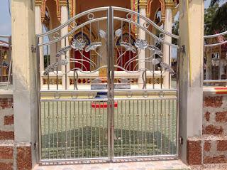 ประตูสแตนเลสของวัด