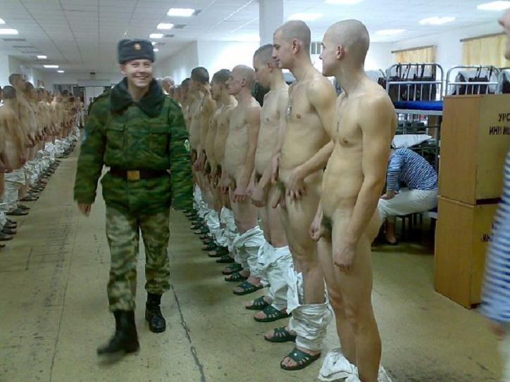 фото парни голые в армии