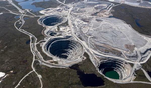 Ekati Diamond Mine, Canadá
