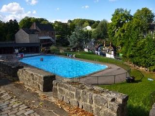 La piscine d 39 ocquier piscine exterieure liege for Piscine wanze