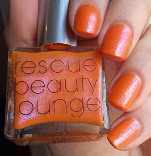 http://swirledpaisley.blogspot.de/2015/05/rescue-beauty-lounge-nails-and-noms.html