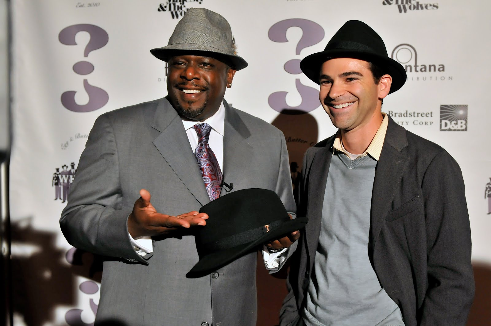 http://3.bp.blogspot.com/-TsdrNlSag3M/TzKb04LrHpI/AAAAAAAABqk/eks-wRCk6iQ/s1600/cedric-the-entertainer-background-2-755108.jpg