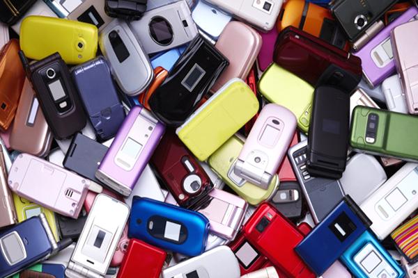 7 ذكريات من ماضي الهواتف ستعود بك إلى الوراء و قد لا تود التفكير فيها!