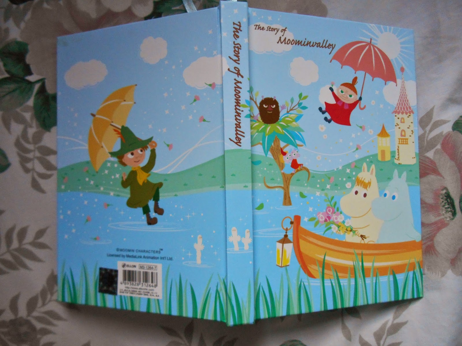 Moomin Diary cover with Moomintroll, Snorkmaiden, Little My, Snufkin and Stinky