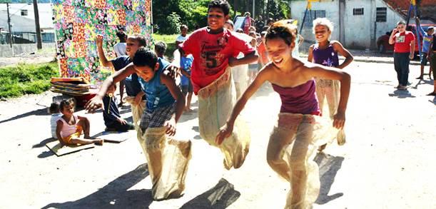Muito Blog do Francisco Evangelista: Projeto resgata brincadeiras  JW31