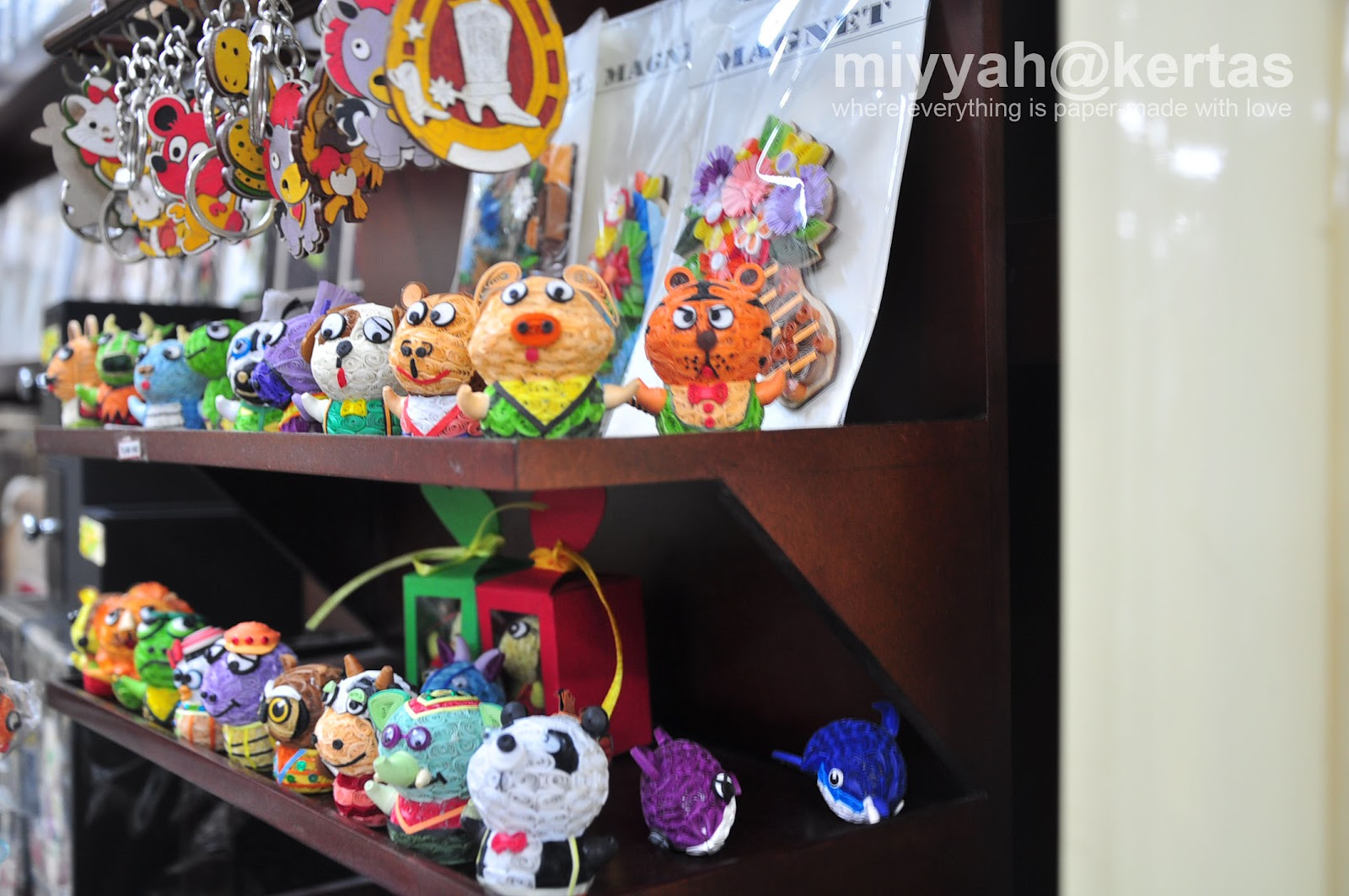 Vietnam scrapbook ideas - I Don T Know Much About Vietnamese Quilling So I Ll Leave It To You To Find That Out On Your Own Mr Google Anyone According To The Local Guide