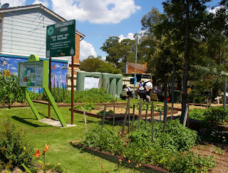http://commons.wikimedia.org/wiki/File:Bidwell_community_garden.jpg