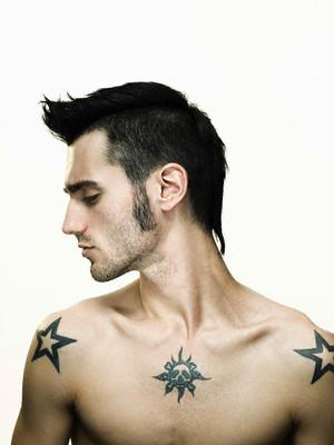 Две пятиконечные звезды фото тату - татуировки звезды на плечах