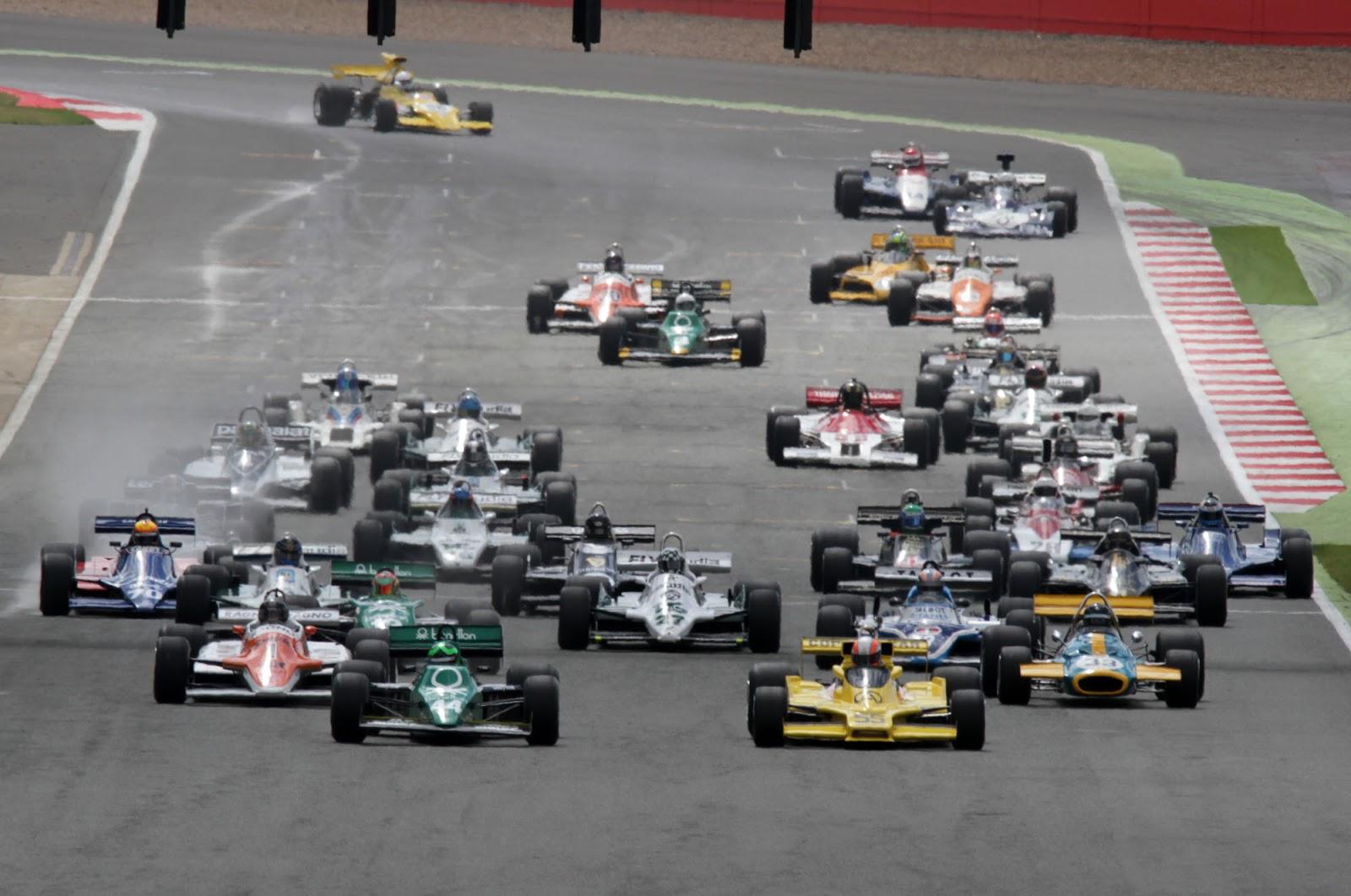 Kaiser Sports México: Carrera de autos históricos en el Hnos ...