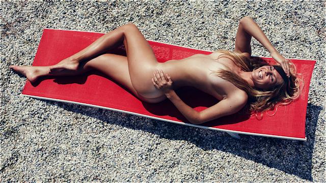Stéphanie Gilmore surfeuse nue