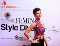 Jacqueline Fernandez looks super cute slim at Femina Style Diva Pune 2013