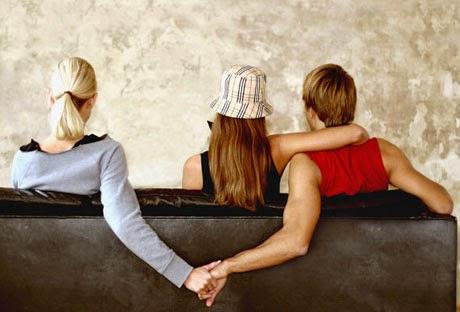 7 Alasan Mengapa Wanita Selingkuh