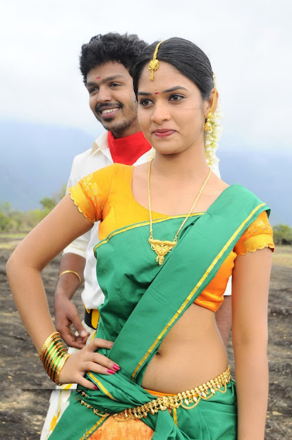 Spicy Tamil Actress Saree navel Show