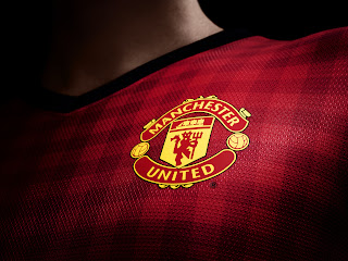 Manchester United FC Uniform Emblem Close Up HD Wallpaper