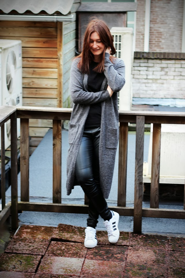 adidas superstar outfit inspiration fashion blogger
