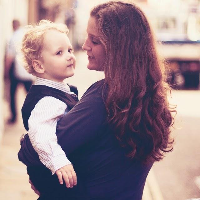 Mi primera mujer y la más importante eres tu Madre querida