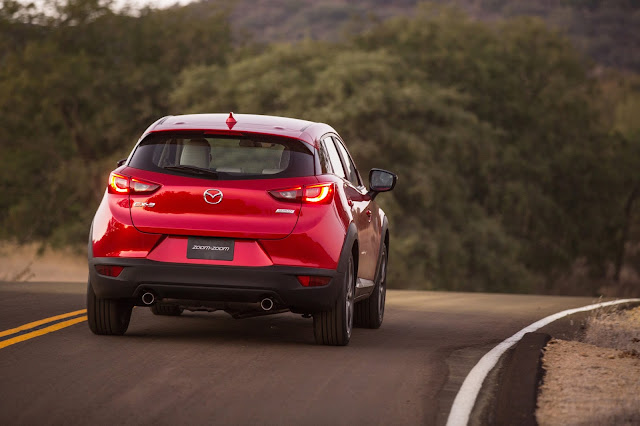 Rear view of 2016 Mazda CX-3