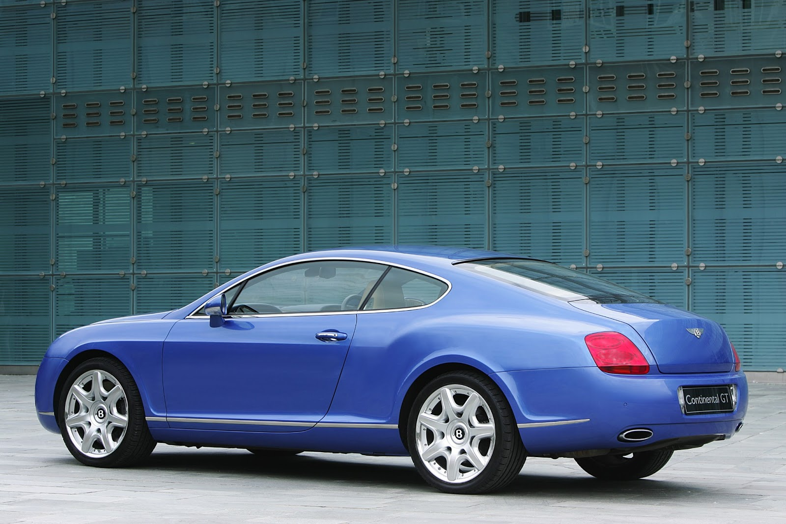 bentley continental gt coupe 2003 pictures wallpapers infinity cars 2 u. Black Bedroom Furniture Sets. Home Design Ideas