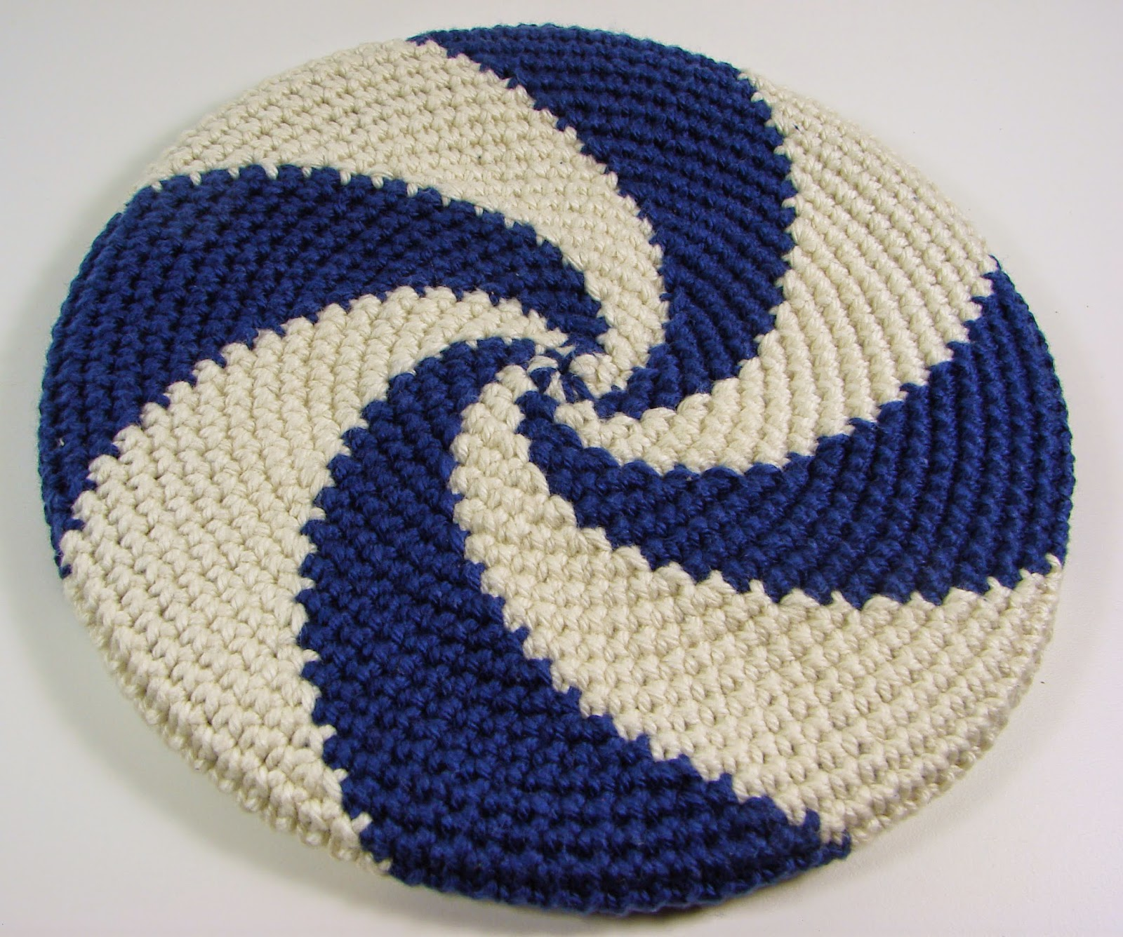 disc, frisbee, crochet, crocheted, toy, blue, white