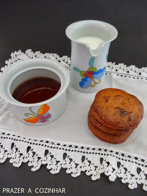 prazer a cozinhar - Cookies de mel e pepitas de chocolate