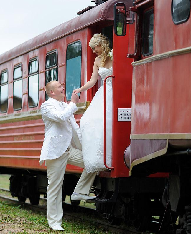 vestuvės anykščiuose prie traukinių