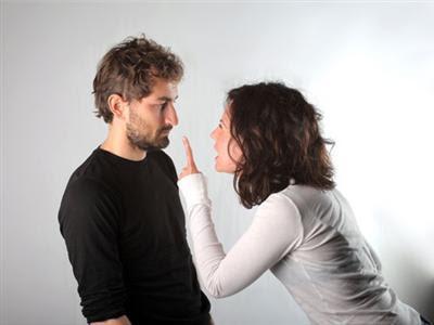 Girlfriend Behaving Badly-Top 5 No-Nos - woman shout at man girl guy