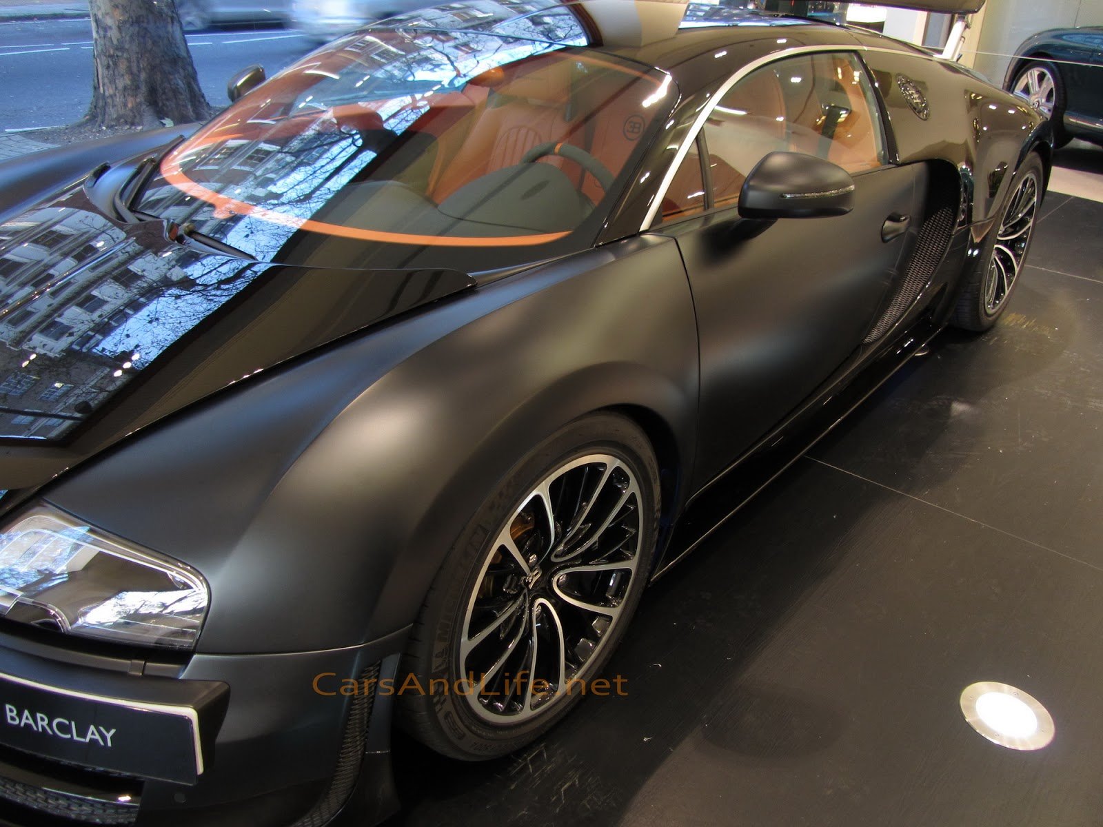 bugatti veyron super sport 1200 hp from london and ready. Black Bedroom Furniture Sets. Home Design Ideas