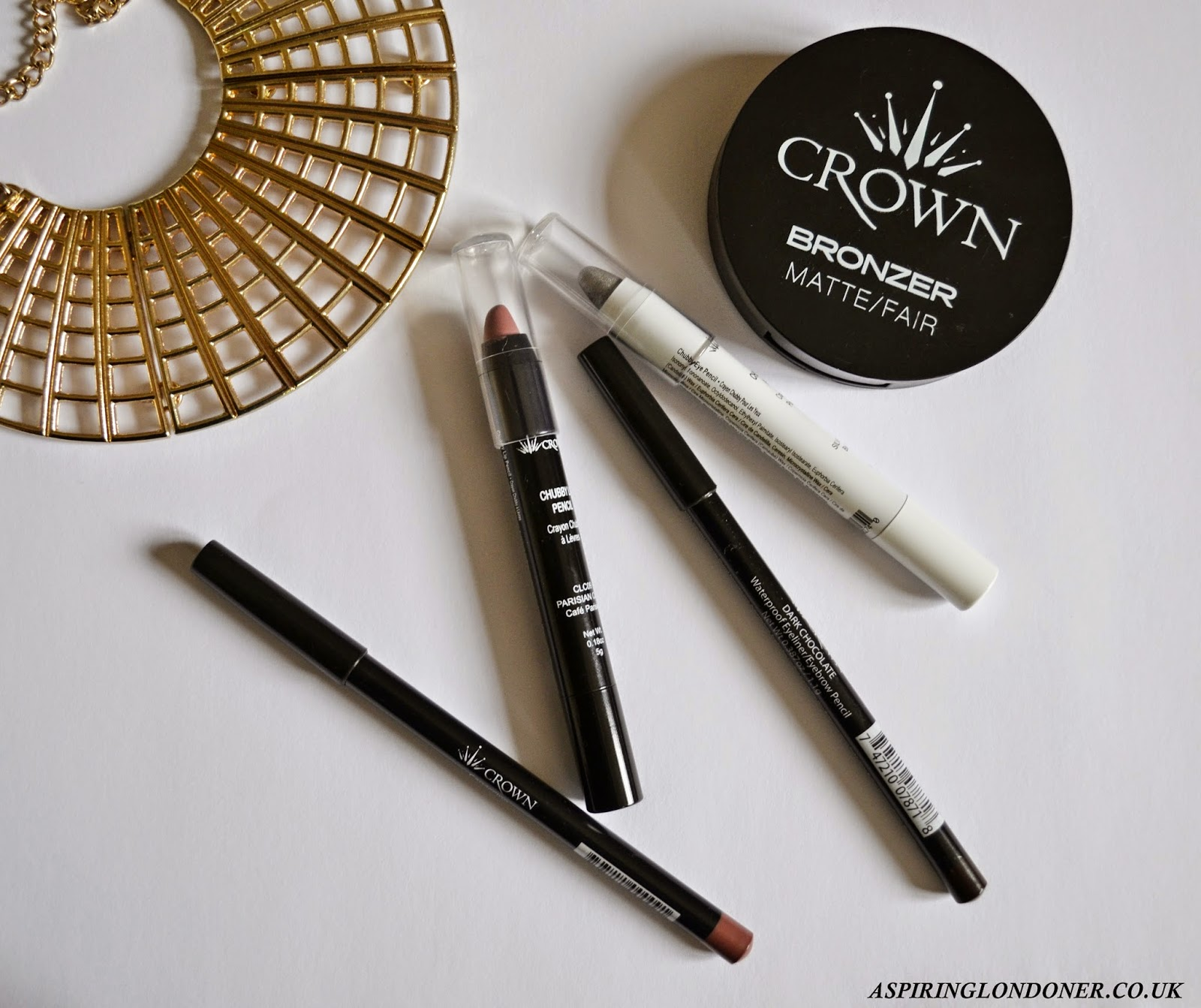 Crown Brush Makeup ft Bronzer, Chubby Lip Pencil, Eyeliner Eyebrow Pencil - Aspiring Londoner