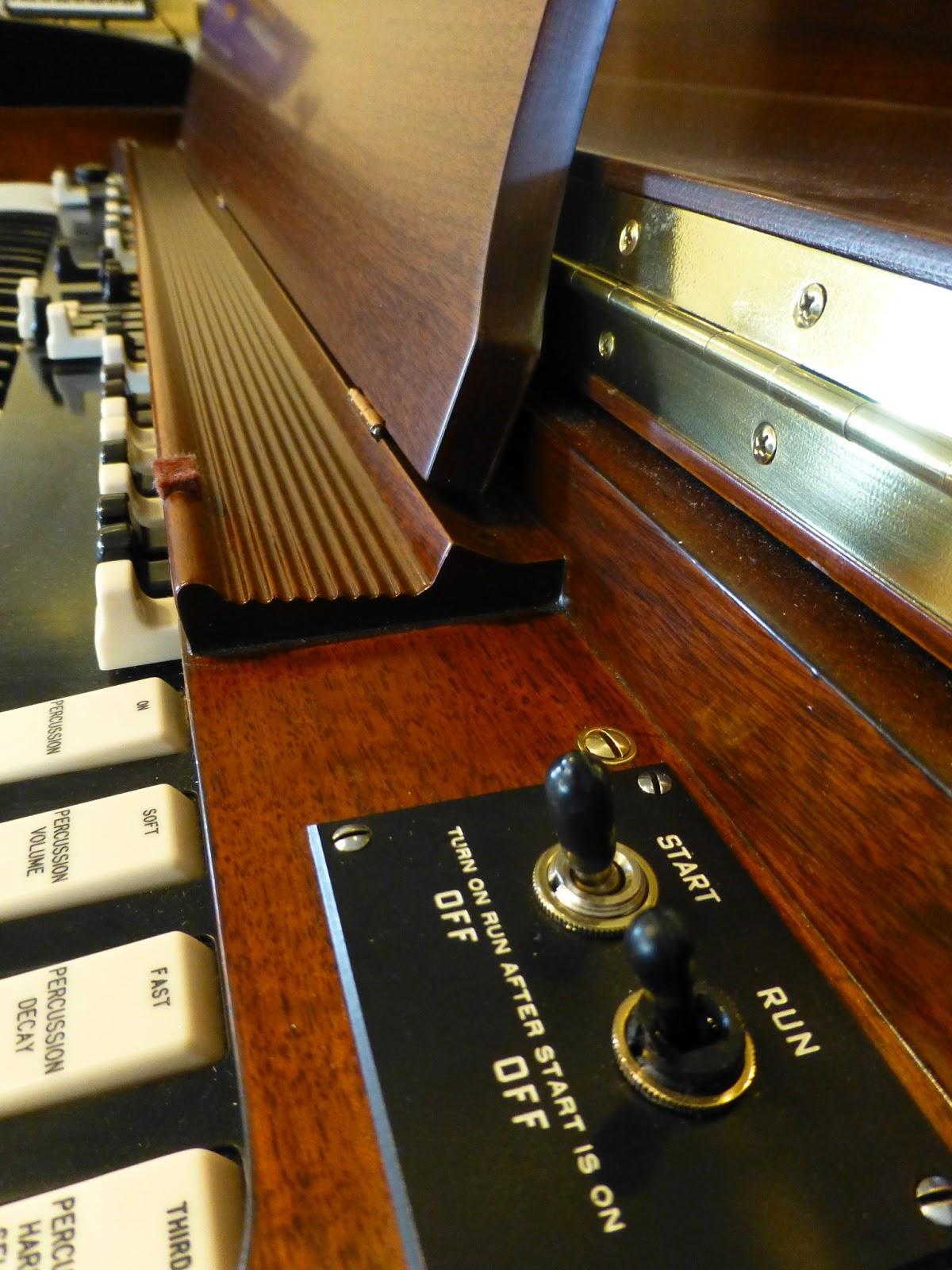 Used Hammond B3 - start run switches