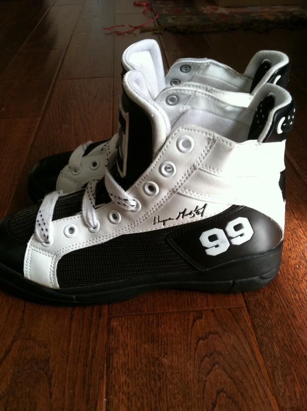 rag kings la gear wayne gretzky street hockey shoes. Black Bedroom Furniture Sets. Home Design Ideas