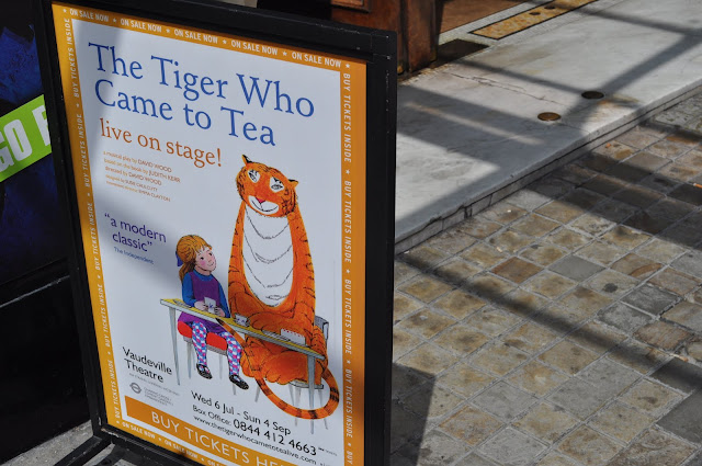 The+Tiger+Who+Came+To+Tea+review+Vaudeville+Theatre+discount+tickets