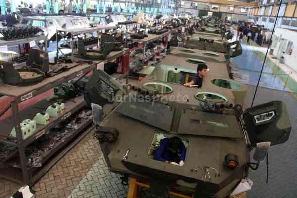 Produksi panser anoa Pindad