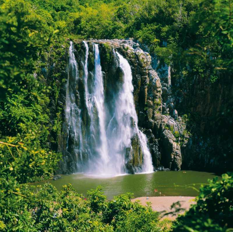 La cascade niagara à sainte suzanne