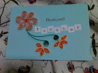 открытка с квиллинг-цветочками с надписью СПАСИБО ВАМ!! УЧИТЕЛЬ