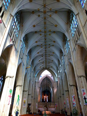 York Minster, nave, English cathedrals, Yorkshire, bit about Britain