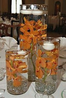 Decoracion con Flores Sumergidas Anaranjadas, Centros de Mesa